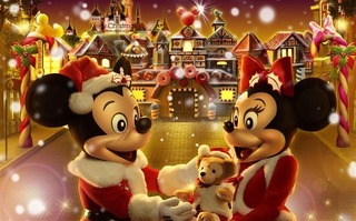 Mickey_and_Minnie_The_Gingerbread_Man_Christmas_wallpaper_fairy_village_medium.jpg